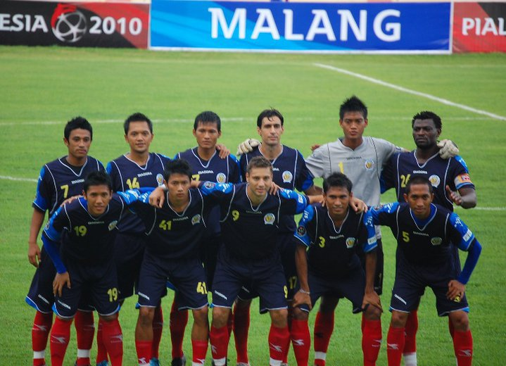 Arema Vs Indonesia: WE ARE THE BEST SUPPORTERS OF AREMA INDONESIA: THE