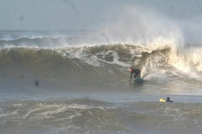 Epic surf op 30 November 2009 Nederland 3