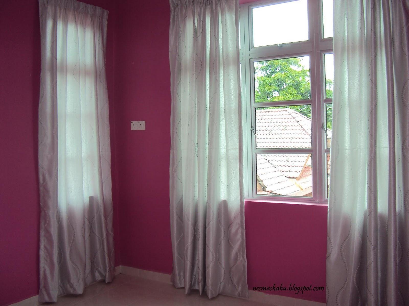 Ni Dah Bubuh Langsir Sama Tingkap Curtain Color Silver Sikit Tapi Kena Cahaya Nampak Lah Putih