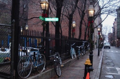 Image of bikes locked to fence in Beacon Hill in Boston
