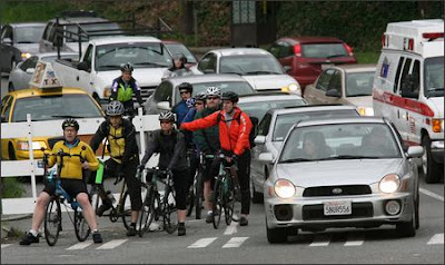 Image of bicyclists in Seattle