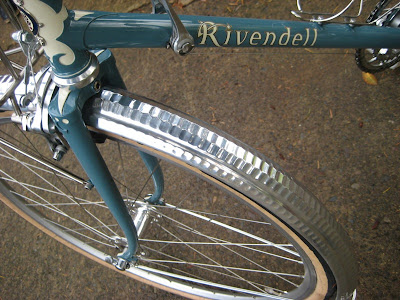 Image of fenders on Rivendell bicycle