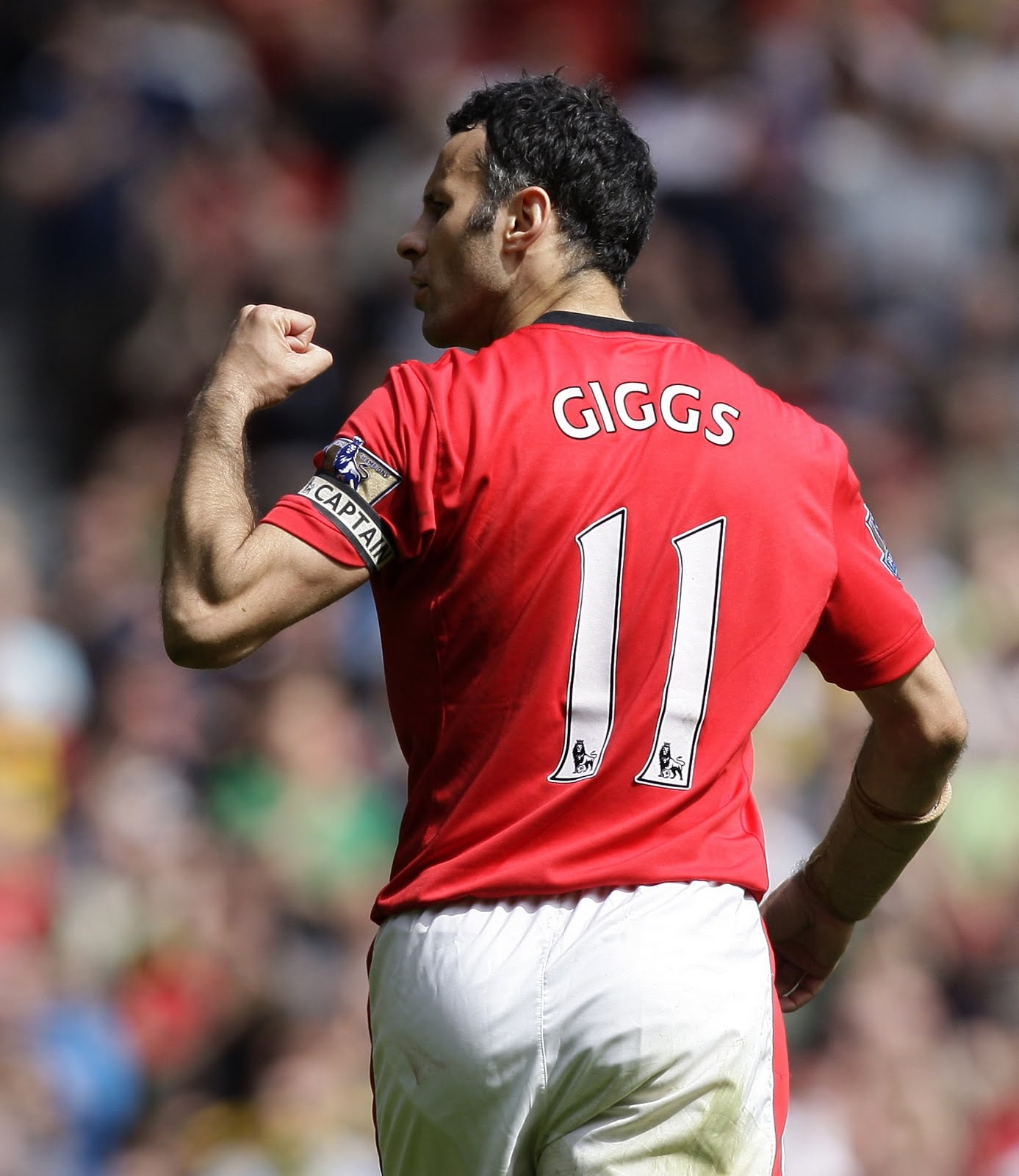 All4All: Ryan Giggs Photos in Tottenham Match