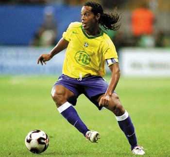 Ronaldinho protests Olympic ban