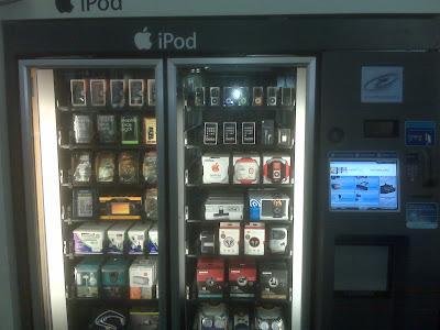 Apple iPod Kiosk at Airport