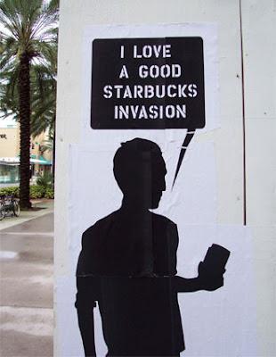 4c0cd517a926 Starbucks rachète tout sur son passage et vient s installer devant le  McDonald s Louvre Rivoli, plutôt très bien place, il beneficiera du travail  de terrain ...