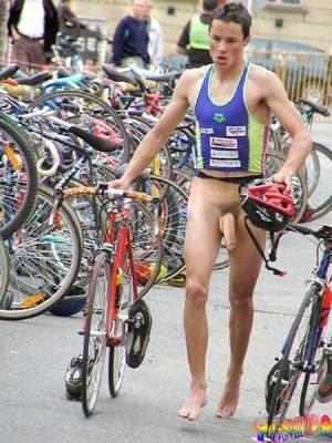 Triathlon Naked 102