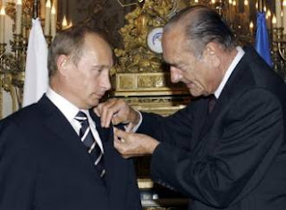Chirac decorates Putin