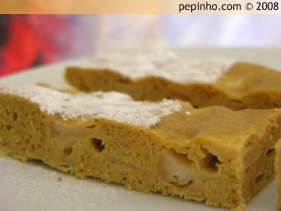Bizcocho de manzanas caramelizadas a la canela y galletas Digestive