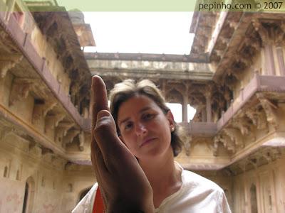 María en India