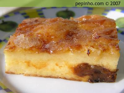 Far bretón con manzanas o ciruelas (Farz fourn)