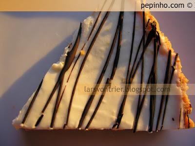 Tarta de limón con trazas de chocolate negro (fría)