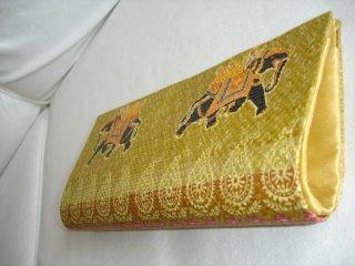 Elefante Dourada
