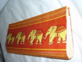 Elefante Vermelho