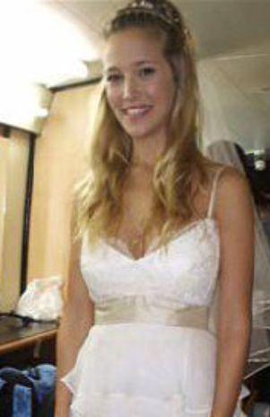 e589e3b23 Argentina  ¿Luisana Lopilato probando su vestido de novia