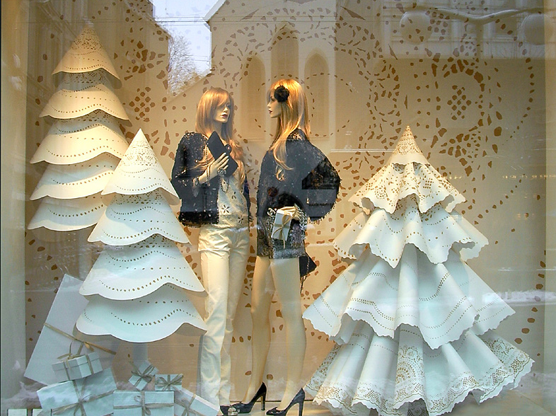 Christmas Window Displays.Black Eiffel Christmas Window Displays 2010