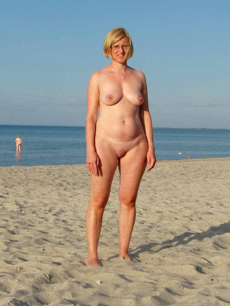 Hot old woman nudists — pic 15