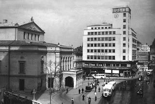 Blocul Adriatica, langa vechea cladire a Teatrului National