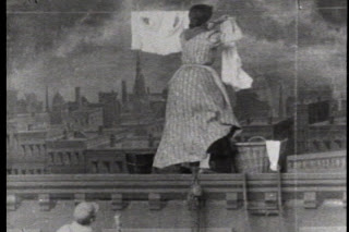 imagine din filmul A Windy Day On The Roof, 1904