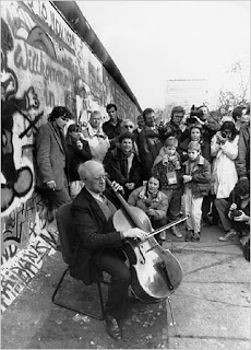 Rostropovich at the Wall