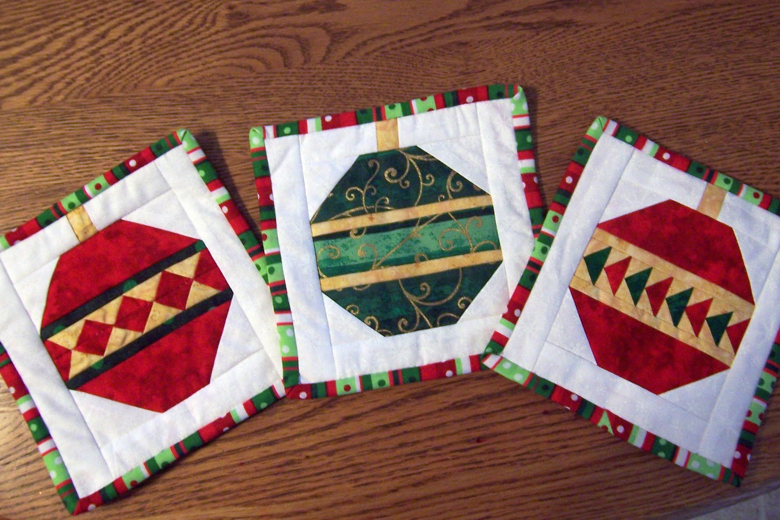 57599 additionally Bridgets Bagettes Zipper Pouch Pattern besides How To Sew Flying Geese moreover Free Quilt Block Patterns additionally Paperpiecing free pg4. on flying geese paper piecing pattern