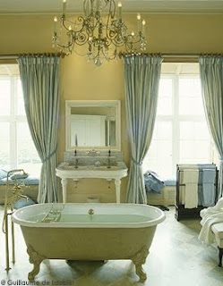 once.daily.chic: French Inspired bathrooms
