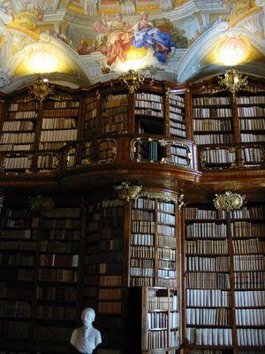 [300px-Bibliothek_St_Florian.jpg]
