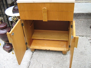 Groovy Uhuru Furniture Collectibles Retro Medicine Cabinet Beatyapartments Chair Design Images Beatyapartmentscom