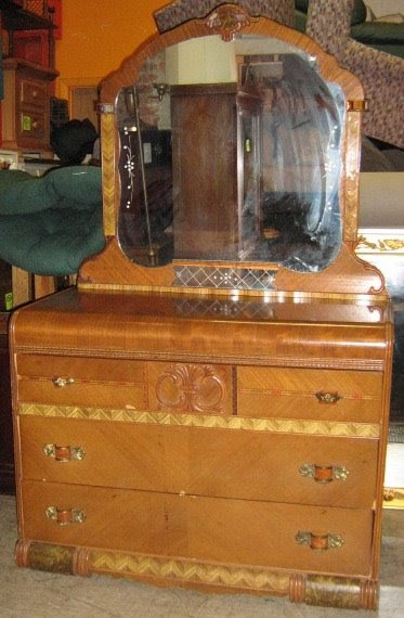 Uhuru Furniture Amp Collectibles 1930 S Dresser And Mirror
