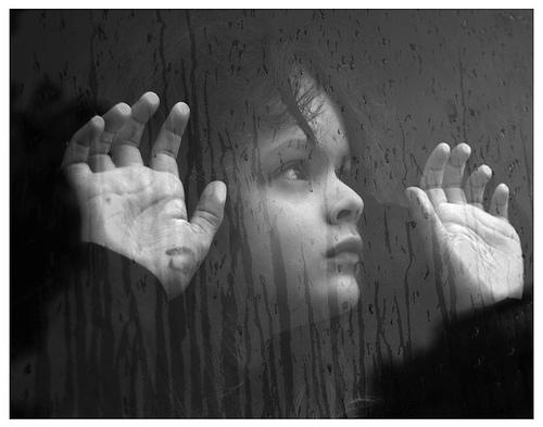 حيرة دموعى (هل ابكى بفردى ........ام اشاركهم بكائى) 1534134557_5288e6c06e.jpg