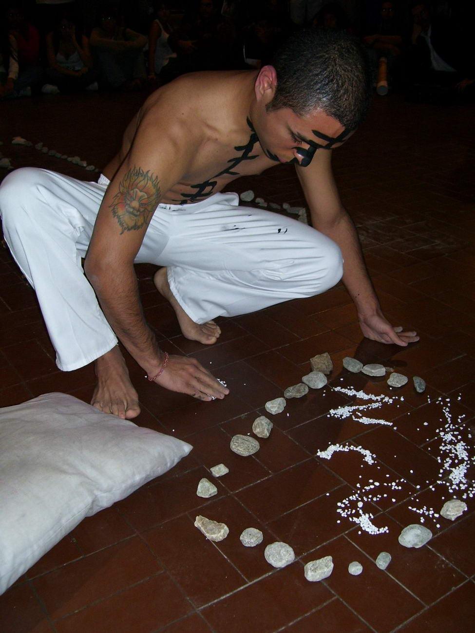 [024+OBJETUAL+Caracas+2008+Dia+4+Kevin+Orellanes+Foto+Macjob+Parabavis.jpg]