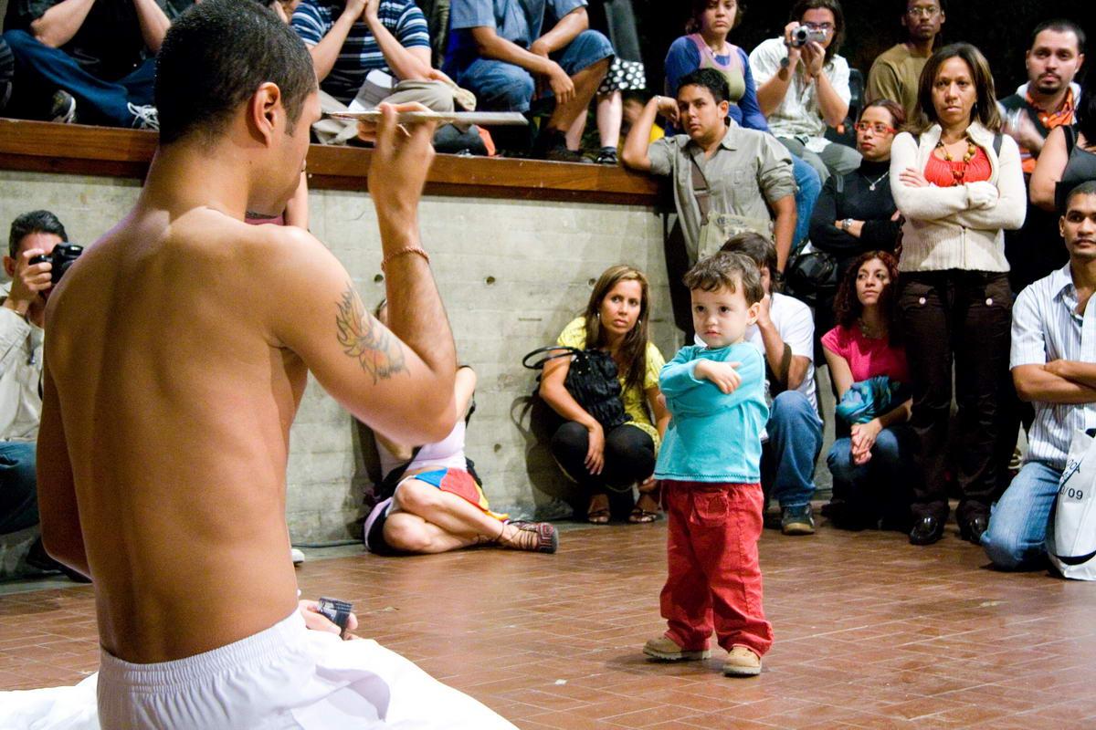[004+OBJETUAL+Caracas+2008+Dia+4+Kevin+Orellanes+Foto+Alejandro+Sosa.jpg]