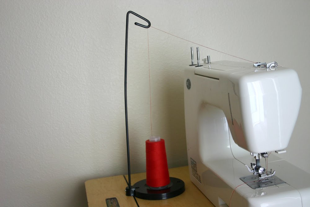 Sparkle Power!: Awesome Cone Thread Holder