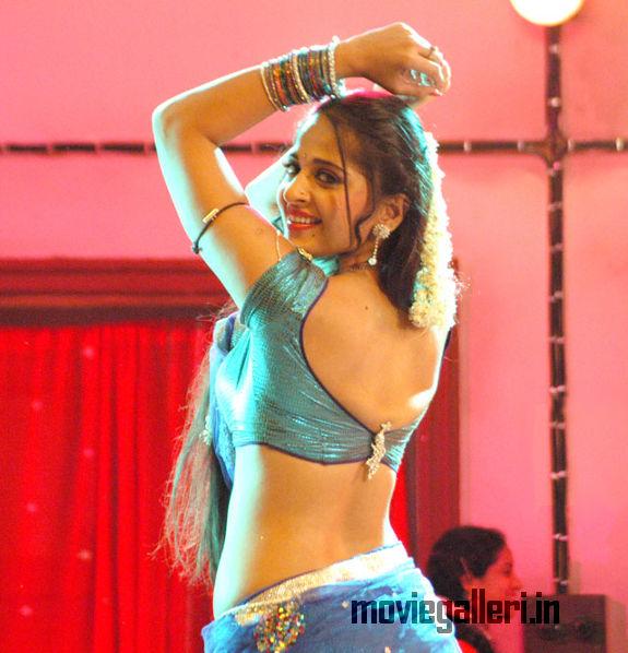 Anushka Shetty Hot Vedam Telugu Movie Gallery Anushka Hot Vedam Movie Stills New Movie Posters