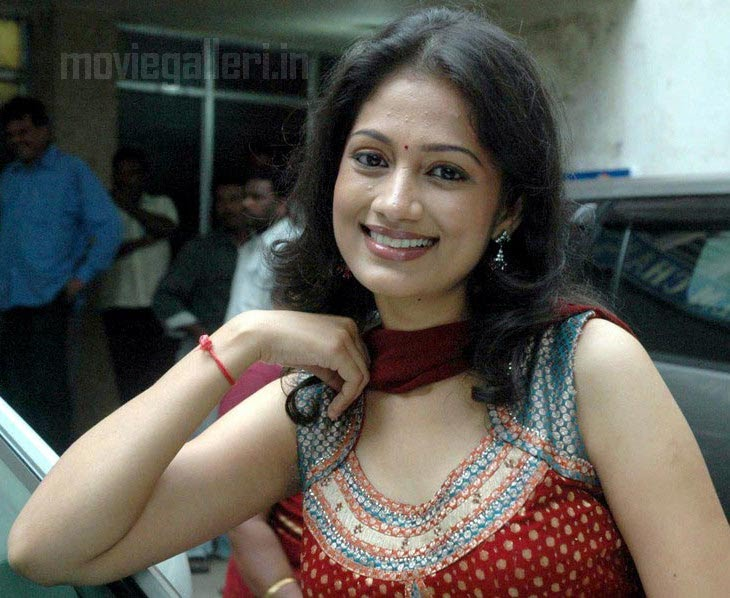Indian Celebrity Sexy Girls: Anika Tamil Actress Photo Gallery