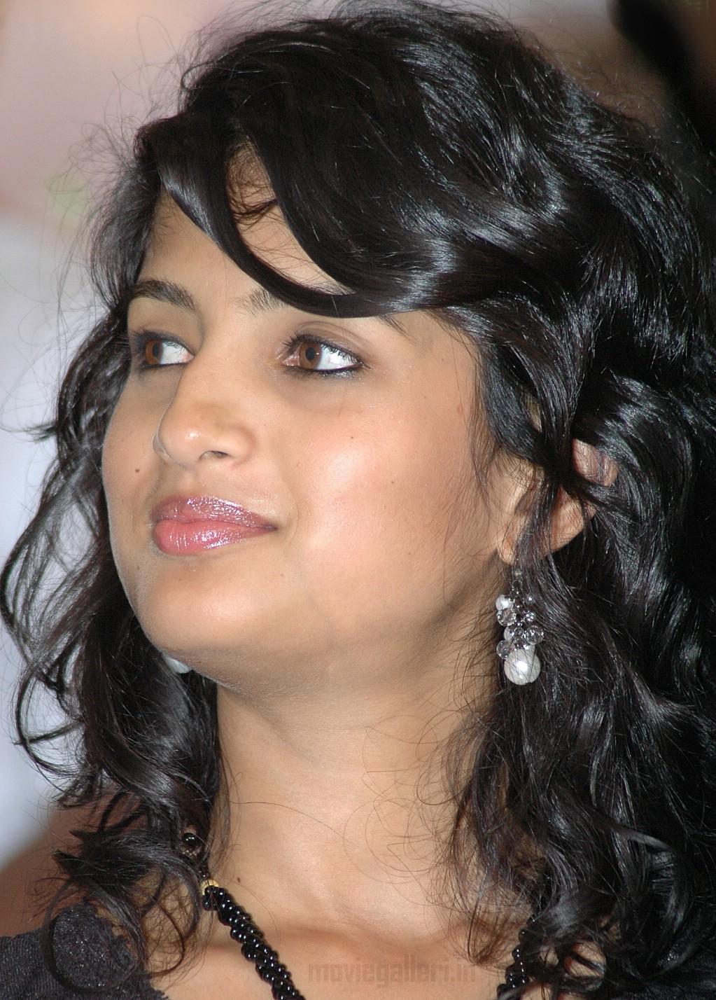 Image Gallery pics s <b>tamil aunty koothi kathai</b> story kamistad celebrity - pasanga_tamil_actress_vega_stills_pics_07