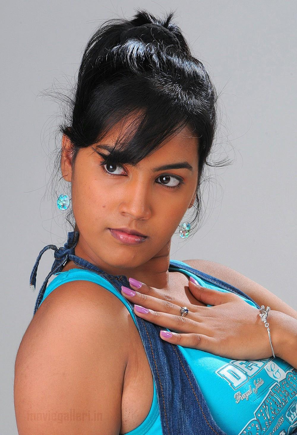 Telugu Tv Actress Harika Photo Shoot Stills New Movie