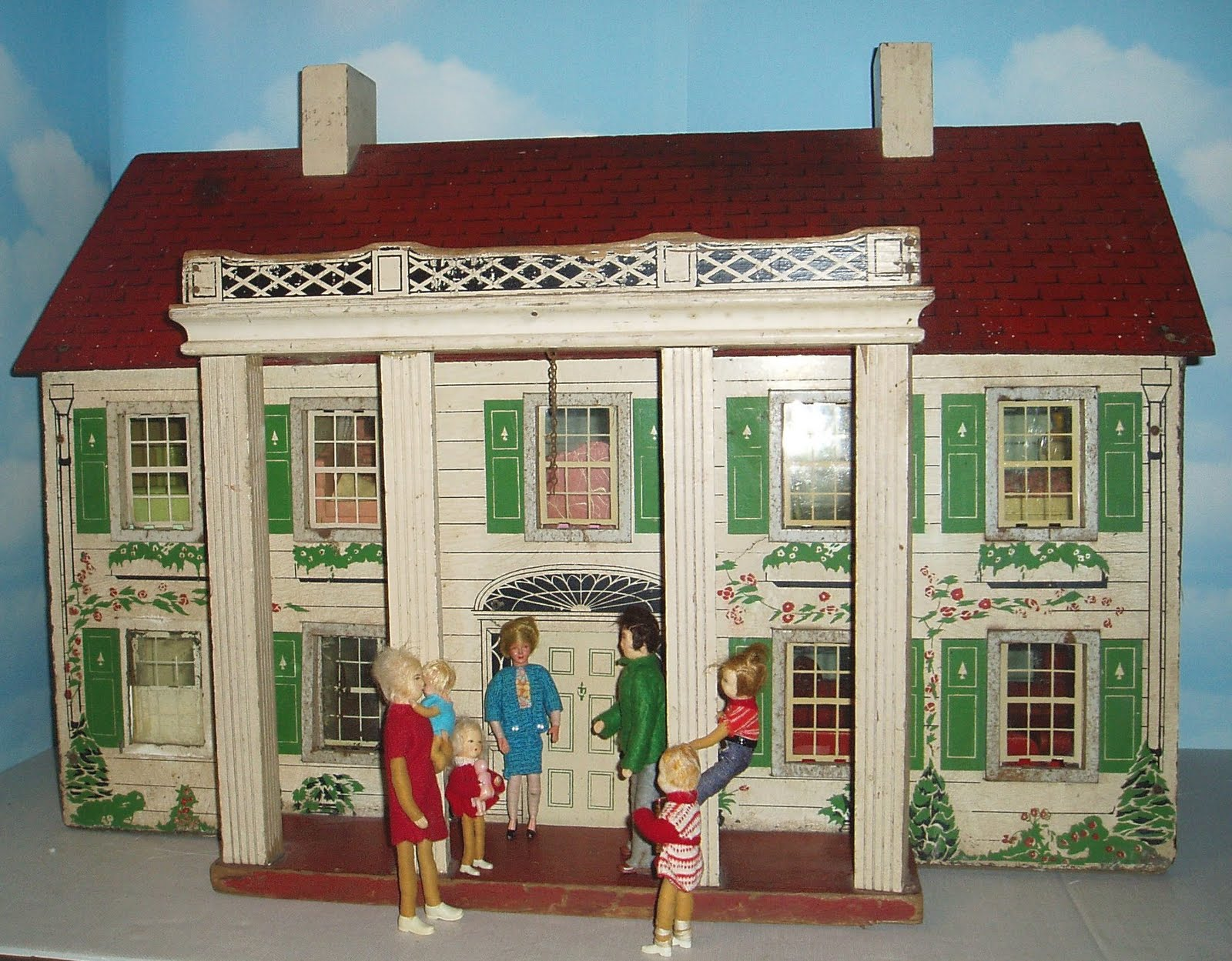 My vintage dollhouses house hunter dollhouse style for Classic house blogspot