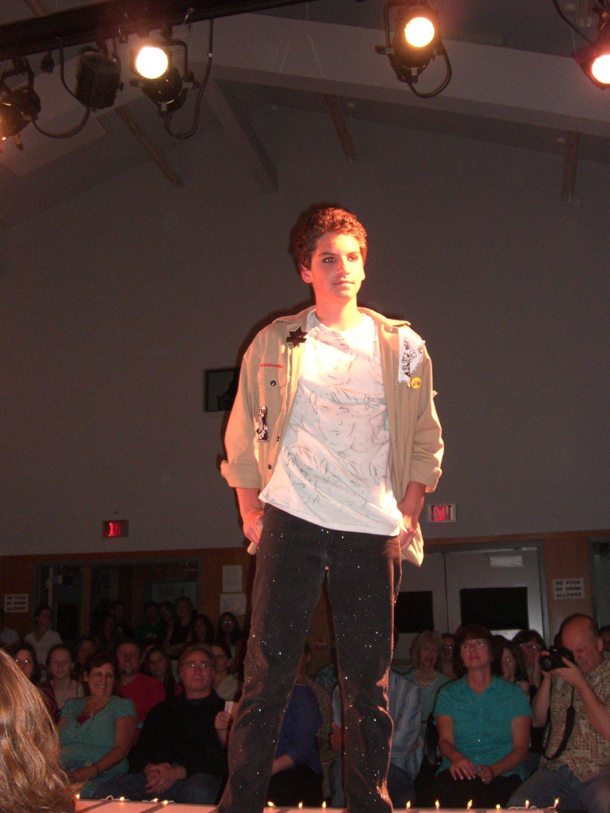 [SLV+Fashion+Show+2008+008.jpg]