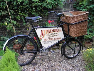 Bespoke bike baskets by David Hembrow