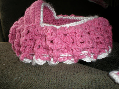 Crochet Girl Purse and Doll Crib - YouTube   300x400