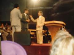 Pastor Raul Flores con Pastor  Benny Hinn en Orlando 1997