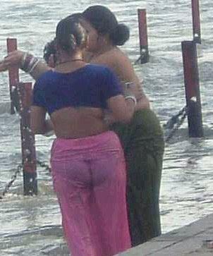 Hot Mallu Aunty Bath