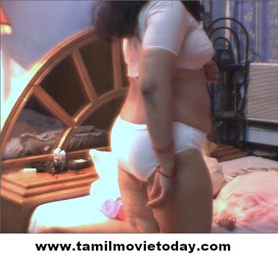 Rather Sexy bhabhi ki kahani good, agree