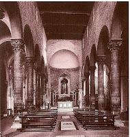 Santi Apostoli Inside
