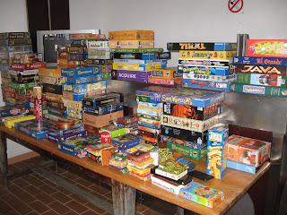 Pile de jeux de société