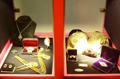 4e4abe190763 Respecto a las joyas más habituales que se suelen comprar por Internet  tenemos en primer lugar las de oro