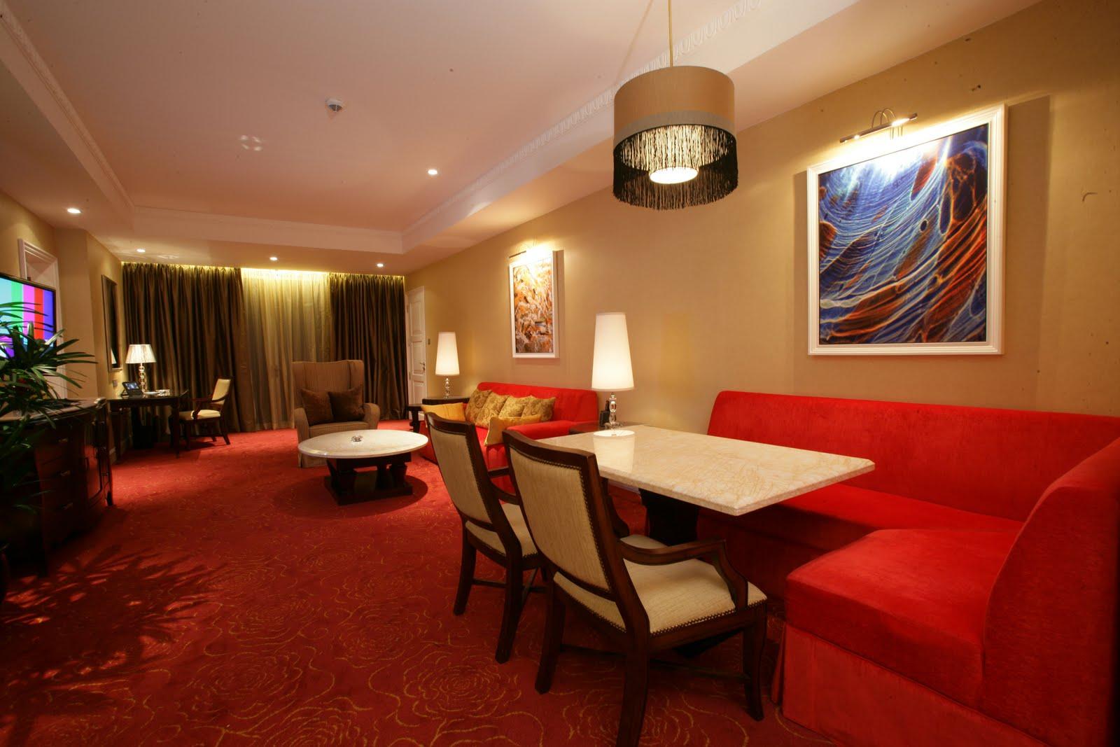 Maxims Hotel At Resorts World Manila: The Only Six-Star
