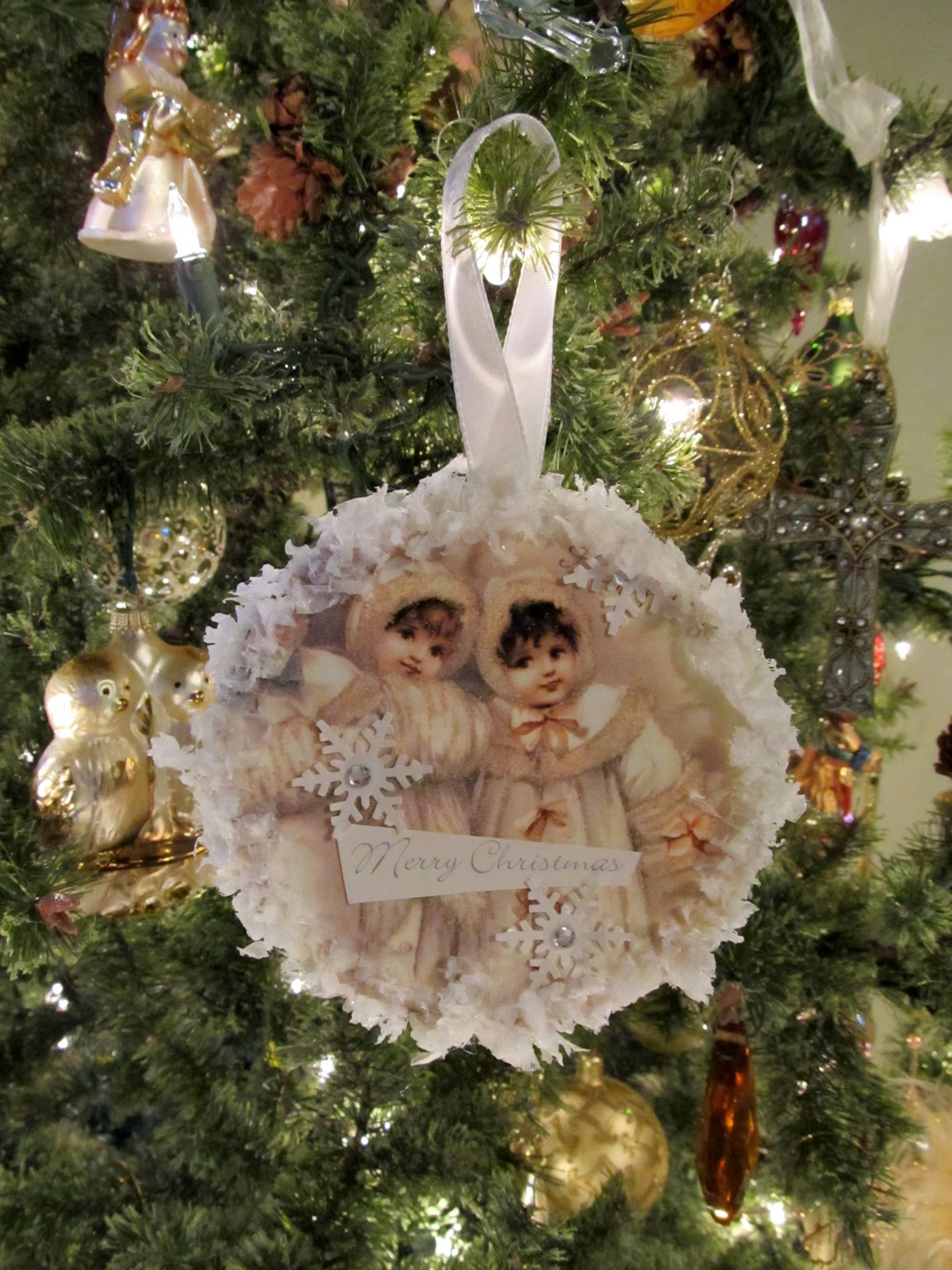 Cottage Hill: Vintage Style Recycled CD & Christmas Card ...