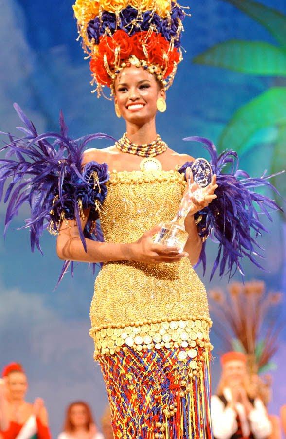 ปี 2002 : Vanessa Mendoza นางงามจากโคลอมเบีย